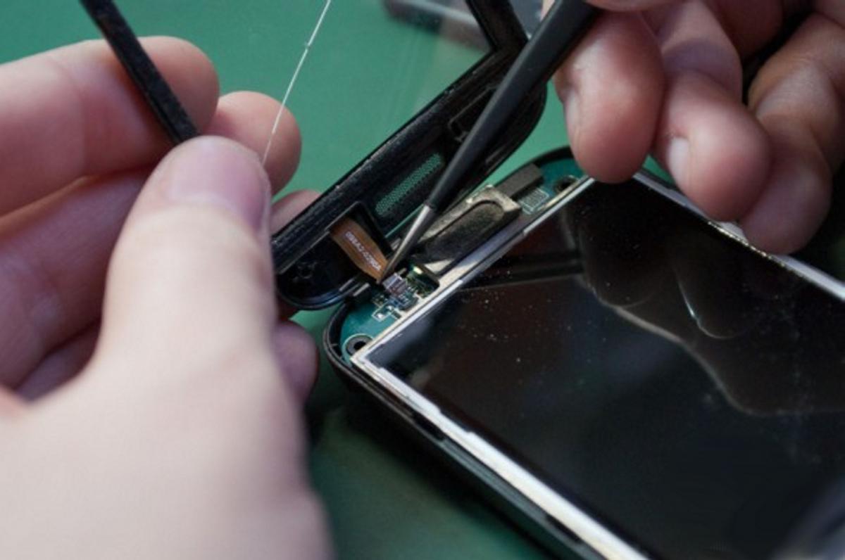 Что делать если на телефоне лопнуло стекло